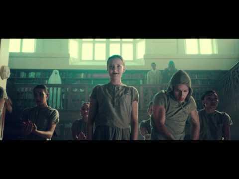Childish Gambino featuring Beck – 'Silk Pillow' - image hot-chip-night-day-music-video on https://gearandgrit.com