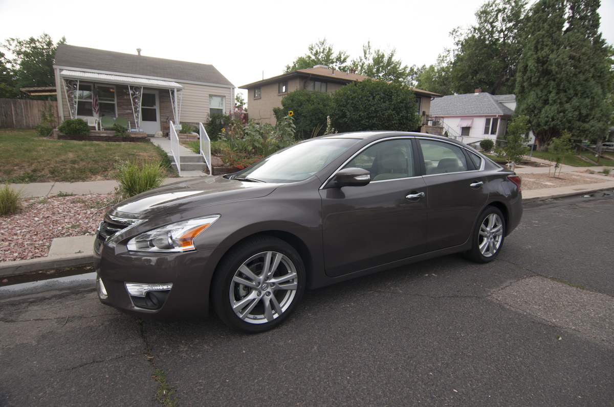 2013 Nissan Altima 3.5 SV Review    Review