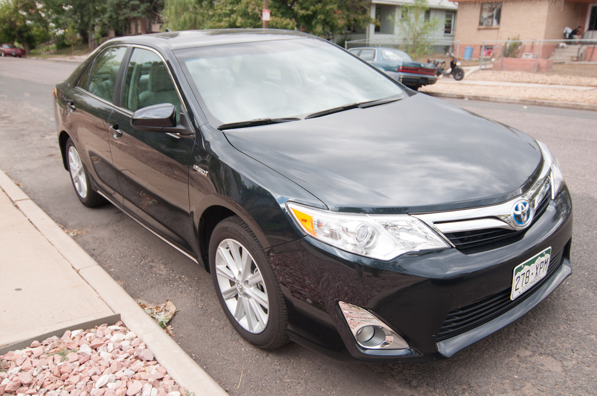 2012 toyota camry hybrid review gear grit. Black Bedroom Furniture Sets. Home Design Ideas